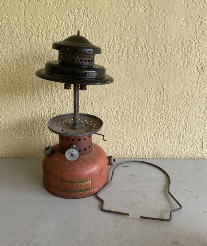 Vintage Scotsman Kamplite RL-32B Lantern For Parts Or Repair Uses Coleman Fuel
