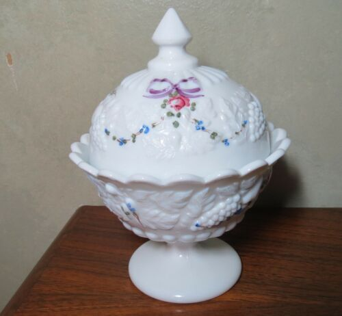 Westmoreland Della Robbia # 1058 Milk Glass Candy Dish Bows hand painted