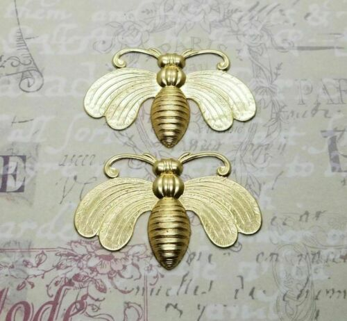 Large Brass Bee Stamping With Flat Wings - 112RAT