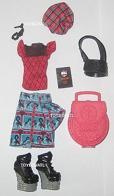 Monster High Exchange Student Lorna McNessie Doll Outfit Clothes Skirt Shoes NEW