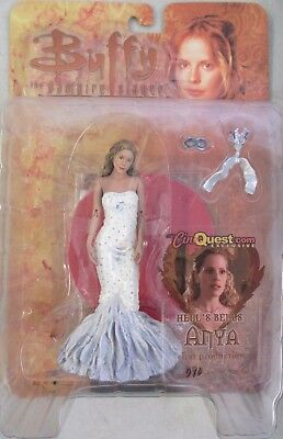 Buffy the Vampire Slayer Action Figure – Hell's Bells Anya (MOC) Exclusive
