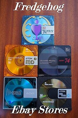 A PACK OF 5 x QUALITY 74 MINUTE BLANK MINIDISCS - ASSORTED BRANDS - WITH CASES