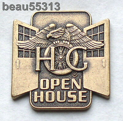 2000 HARLEY DAVIDSON OWNERS GROUP HOG OPEN HOUSE CENTER PIECE JACKET VEST PIN