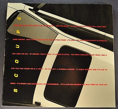 1992 Hyundai Scoupe Catalog Sales Brochure LS Excellent Original 92