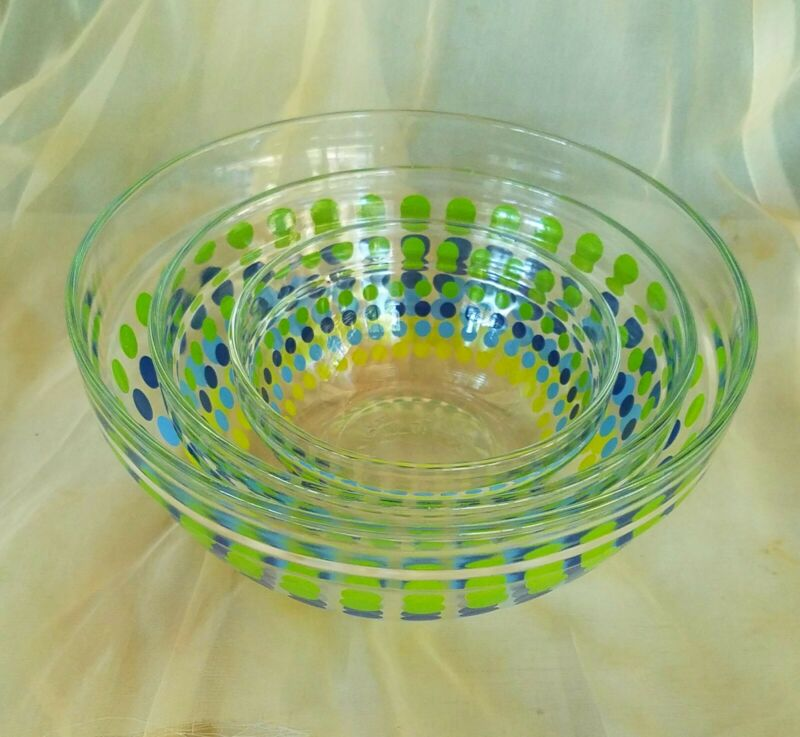 vintage GLASS NESTING BOWLS SET OF 3