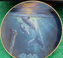 Franklin Mint - Dolphin plate Ivanhoe Banyule Area Preview