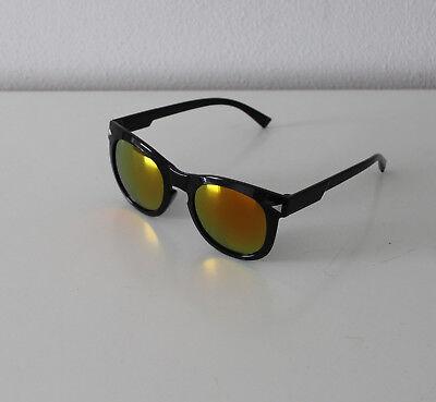 Oramics Sonnenbrille Rahmen Schwarz und Brillengläser Gold/Rot A11932