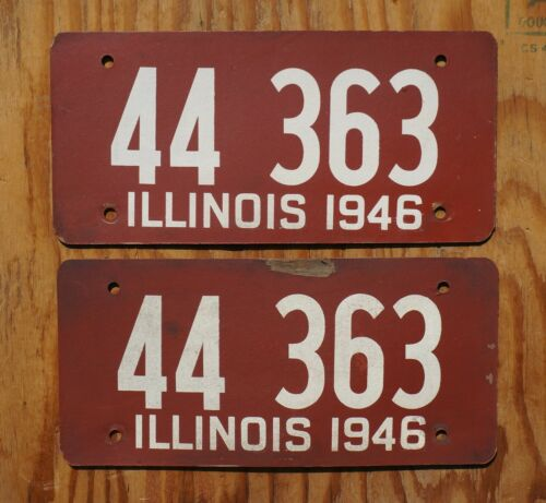 1946 Illinois Passenger License Plate PAIR / SET