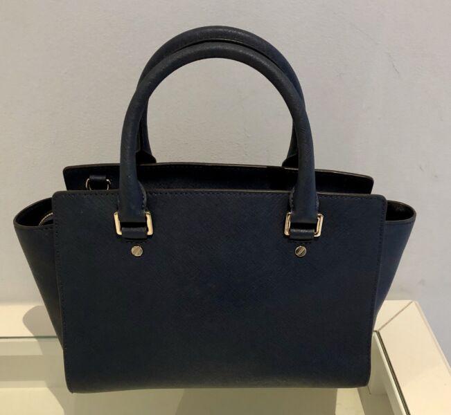 d7671f717895cd Michael Kors Selma Medium Saffiano Leather Messenger Navy Blue Handbag