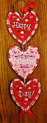 VALENTINE'S DAY HEARTS HANGER Door Wall Art SIGN Hanging Plaque Holiday Decor ()