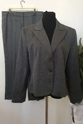 NWT Signature by Larry Levine Gray100% Polyester 2Piece Pant Suit Sz 18 Ret.$240