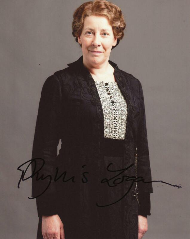 "Phyllis Logan ""Downton Abbey"" AUTOGRAPH Signed 8x10 Photo ACOA"