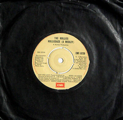 HOLLIES - HOLLIEDAZE (A MEDLEY) / HOLLIEPOPS (A MEDLEY) - 1981 UK EMI Single