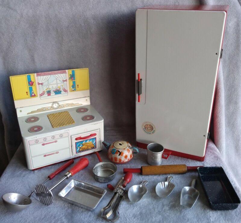 Vintage tin toy kitchen Ohio Art Bobbs Merrill Raggedy Ann utensils, pots, pans