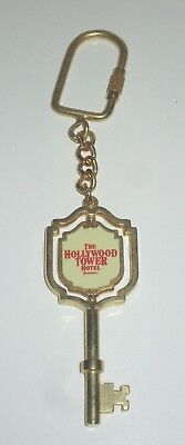(DISNEY WORLD TOWER OF TERROR ATTRACTION HOLLYWOOD HOTEL HTH  SPINNER KEY CHAIN )