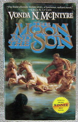The Moon and the Sun by Vonda N. McIntyre PB 1st Pocket