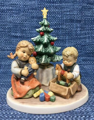 Goebel Hummel Christmas Morning 2263 Figurine Limited Edition 182/4000 Mint