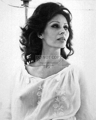 - SOPHIA LOREN LEGENDARY ACTRESS PIN UP - 8X10 PUBLICITY PHOTO (BT027)