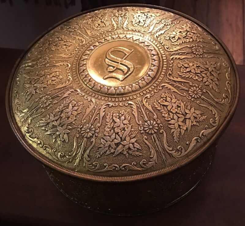 Gold Guildcraft Tin With Vintage Restaurant Napkins