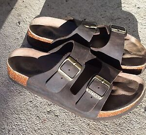 Softmoc sandals size 8