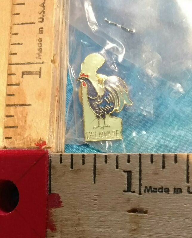Rooster on Delaware Shaped Gold Tone/Enamel Lapel Pin New in Package