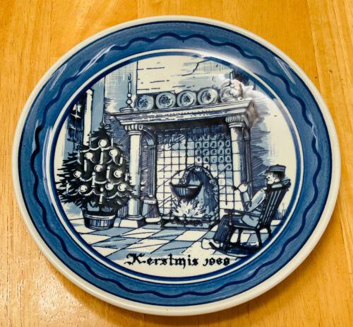 Delfts Kerstmis 1969 Holland Cobalt n White Vtg Art Decor Christmas Plate Gem