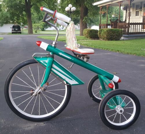 ORIGINAL 1950's AMF ROCKET TRIKE tricycle original Paint beautiful!! (Used - 599.99 USD)