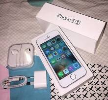 Silver iPhone 5s 32gb (good condition, all accessories) Merrimac Gold Coast City Preview