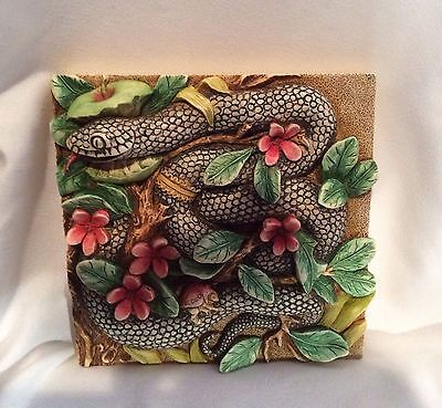 Byrons Secret Garden Garter Of Eden Harmony Kingdom Picturesque Tile