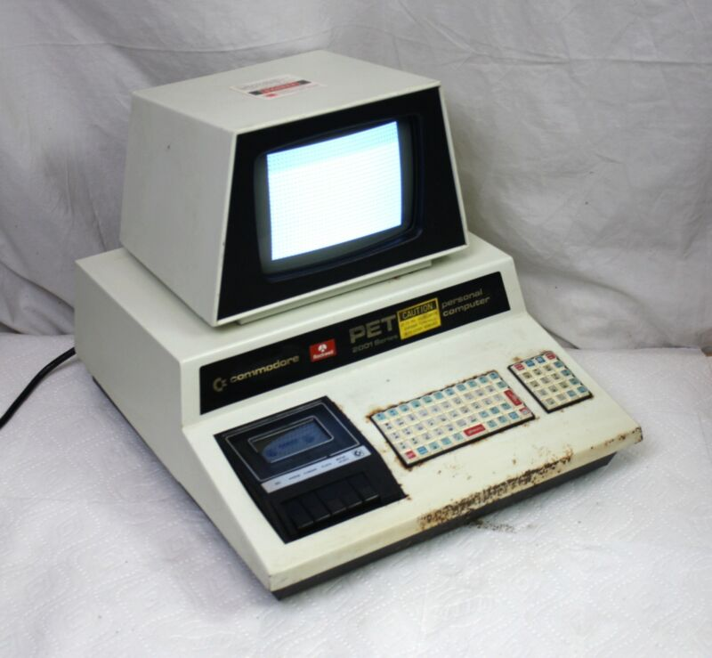 Vintage Commodore PET 2001 - 8 Computer w Chiclet Keyboard & Cassette, Chicklet