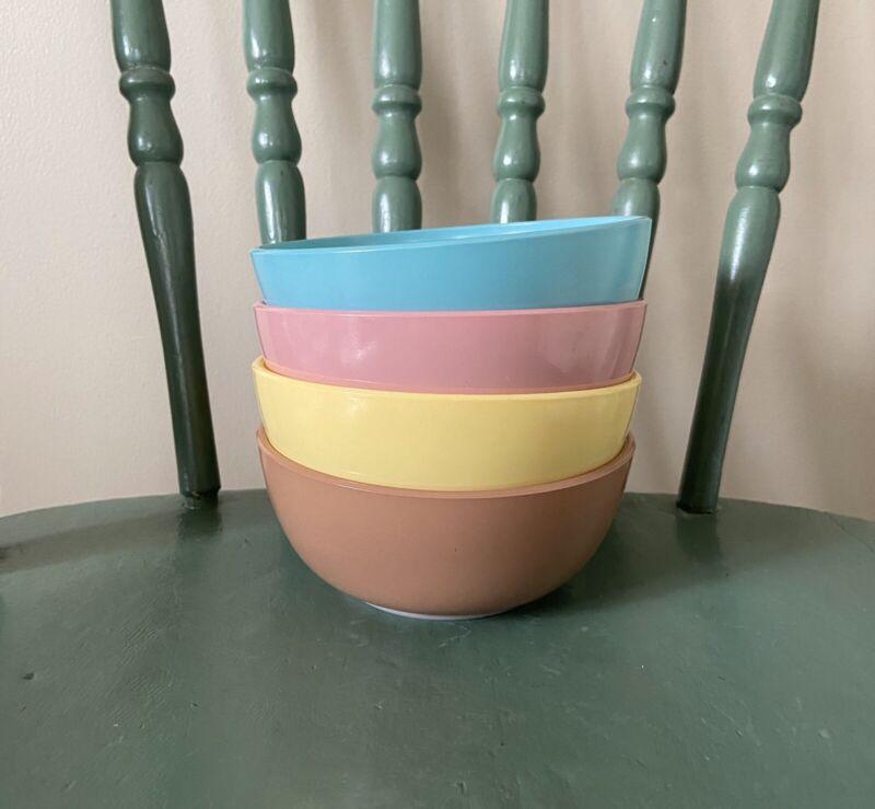 Lot of 4 Hazel Atlas Moderntone Platonite Cereal Bowls