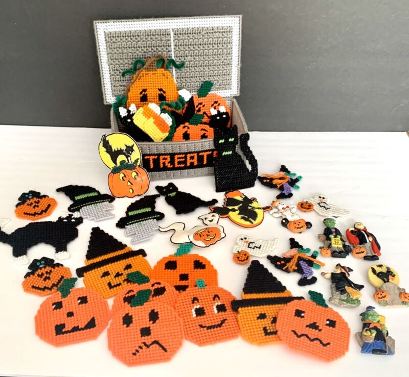 Lot Of Vintage Crocheted Needlework Halloween Handmade Magnets And Box