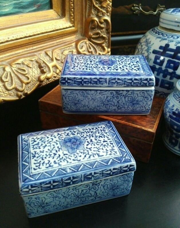 Elegant Rare Blue White Chinoiserie Ginger Tea Jar Ink Box Sweet Pea Motif Pair