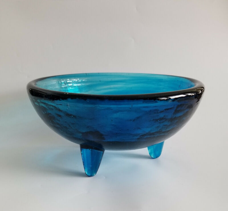 """BAMBECO Molcajete Recycled Glass Bowl, 6"""" diameter, 3 footed, hand made,  blue"""