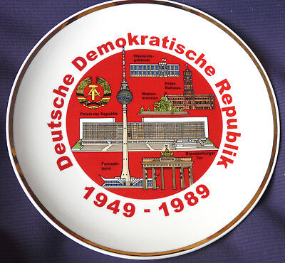 Wandteller 40 Jahre DDR Ø ca. 24 cm groß,mit Goldrand