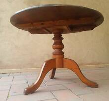 ANTIQUE ROUND TABLE Semaphore Port Adelaide Area Preview