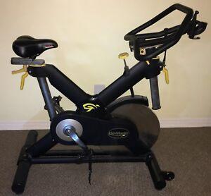Vélo exercice spinning Lemond RevMaster