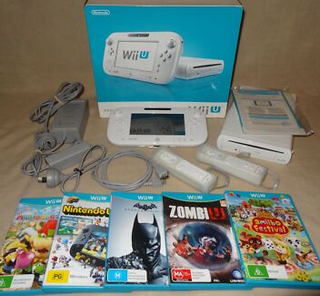 NINTENDO WII U 8GB COMPLETE IN BOX WITH GAMES