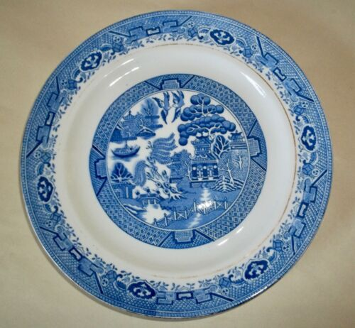 SIX Royal Grafton BLUE WILLOW Luncheon Plates 9""