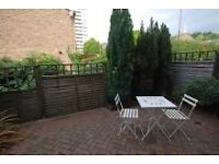 Clean Sunny Garden 1 Bedroom Flat in Southfields SW18 with parking available.