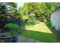 Lovely one bed flat in Richmond/Sheen with period features and large private garden