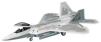 Hasegawa 1/48 F-22 Raptor Model Kit 07245 on Rummage