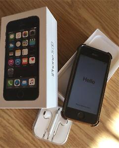 IPhone 5S - 64GB avec protecteur d'ecran et case