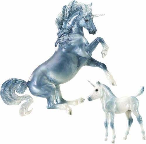 Breyer 1818 Cascade & Caspian Unicorn Set Traditional Series Model Horse 1:9