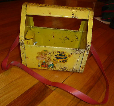 Vintage 1950S Yellow Metal Kiddie  Kidd E Shu Shine  Shoe Shine Bank By Amsco
