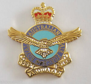 ROYAL AUSTRALIAN AIRFORCE RAAF LAPEL BADGE 20MM HIGH WITH ONE PIN