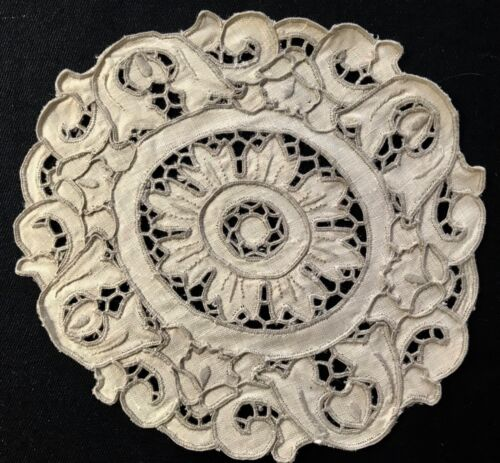 """Antique Madeira Hand Made Embroidery Unbleached Linen Doily 7"""" across"""