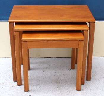 *FREE DELIVERY-RETRO VINTAGE MID CENTURY NEST OF COFFEE TABLES