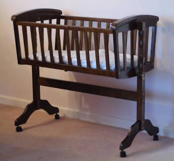Wooden Cradle with mattress & sheets Eaglemont Banyule Area Preview