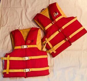 Adult life jackets / Veste de sauvetage adulte